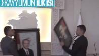 Van'a atanan kayyum Erdoğan'ın fotoğrafını makamına astı