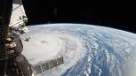 UUİ'deki görevli kozmonotlar uzay yürüşüne çıktı.
