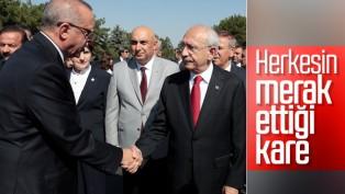 Kılıçdaroğlu ile Erdoğan, 30 Ağustos töreninde tokalaştı