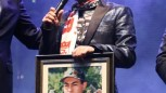 Askerlik fotoğrafı Serdar ORTAÇ'ı duygulandırdı.