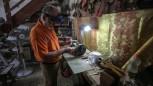 Gazze'de topladığı taşlar ile koleksiyon yapıyor