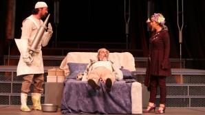 Moliere'nin hastalık hastası oyunu İBB tiyatrosunda