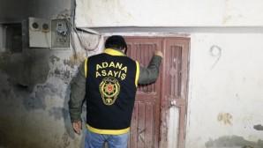 Adana polisi 52 firariye operasyon düzenledi