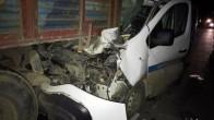 Kütahya'da otomobil tıra arkadan çarptı