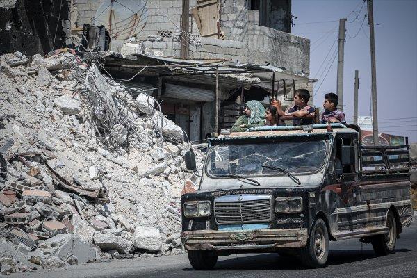 124 bin sivil Suriye-Türkiye sınırına kaçtı
