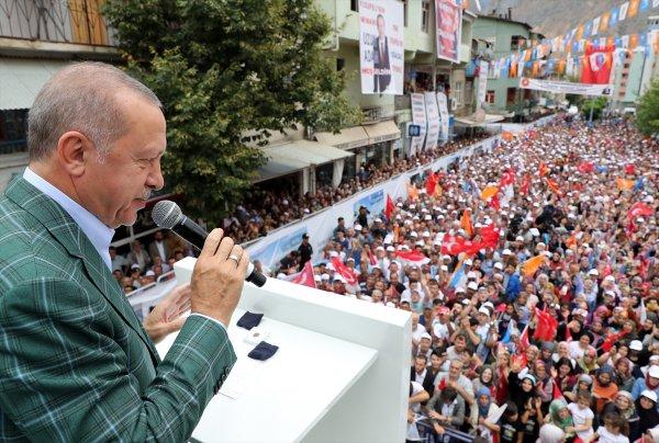 Cumhurbaşkanı Erdoğan, Yusufeli'deki yeni konutları inceledi
