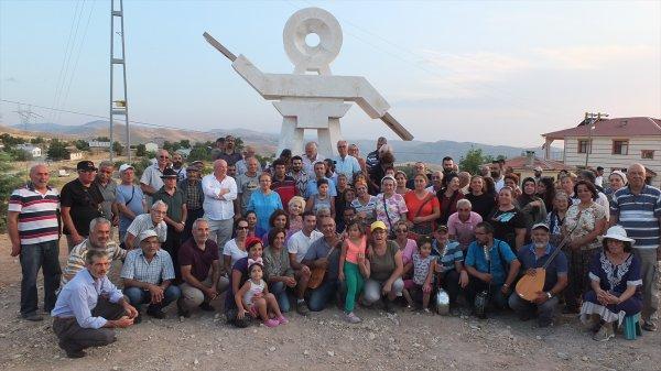 Elazığ Keban'da semah heykeli açıldı