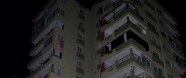 8. kattan düşen İngilizce öğretmeni, hayatını kaybetti