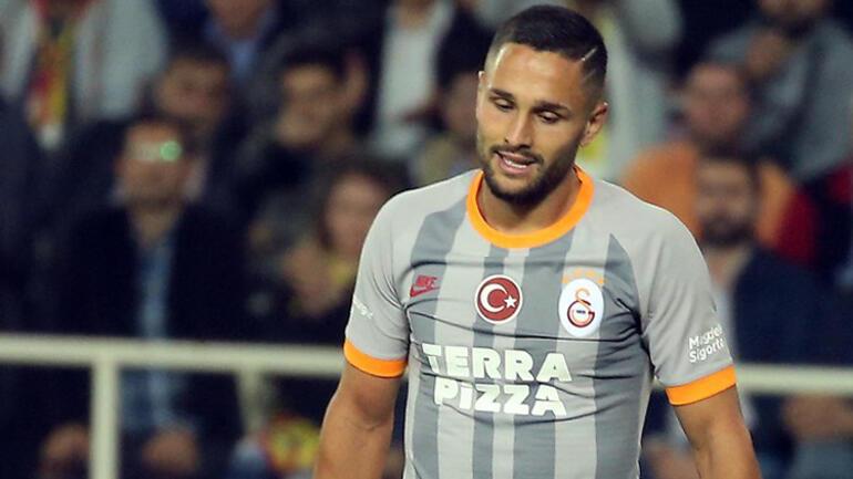 Galatasarayın yeni transferi Andone derbide tribünde