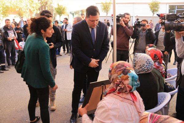 AP üyesi Zdechovsky, Diyarbakır annelerine gitti