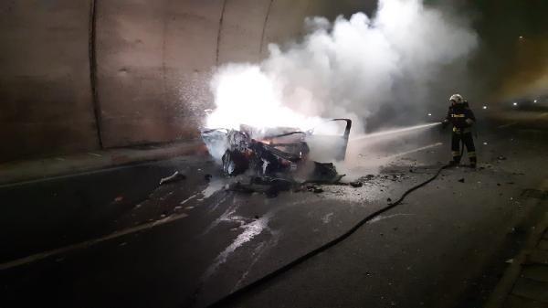 Otomobil, kamyona çarptı: 1 ölü, 2 yaralı -4