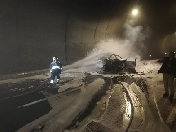 Otomobil, kamyona çarptı: 1 ölü, 2 yaralı -10