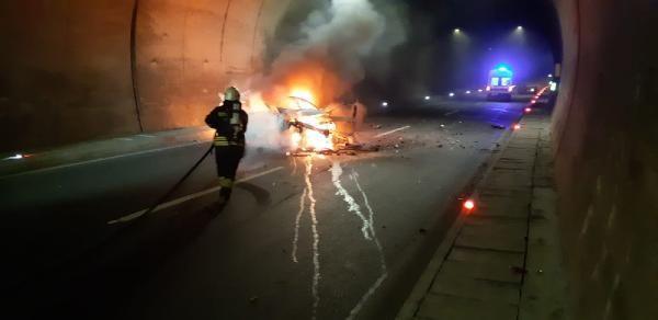 Otomobil, kamyona çarptı: 1 ölü, 2 yaralı -1