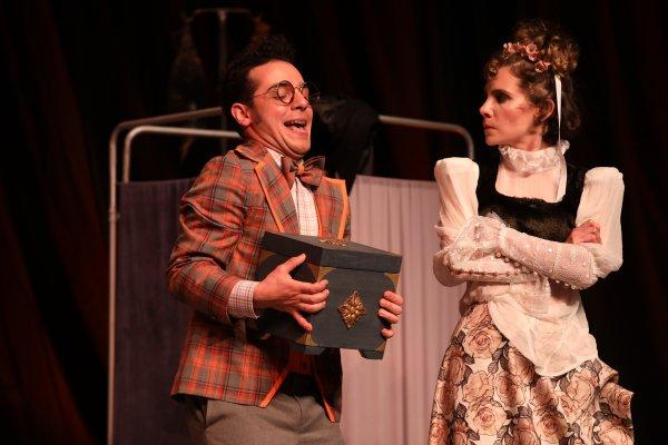 Moliere'in çok güldüren oyunu: Hastalık Hastası