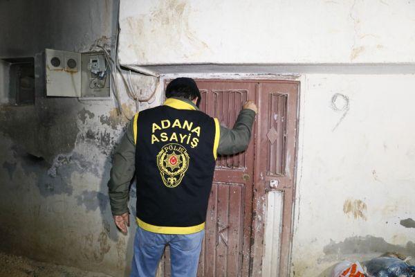 Adana polisinden şafak vakti 52 firariye operasyon -1