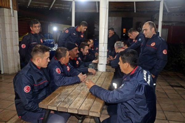 Antalya'da 'kırmızı kod' uyarısı için gece nöbeti başladı -3