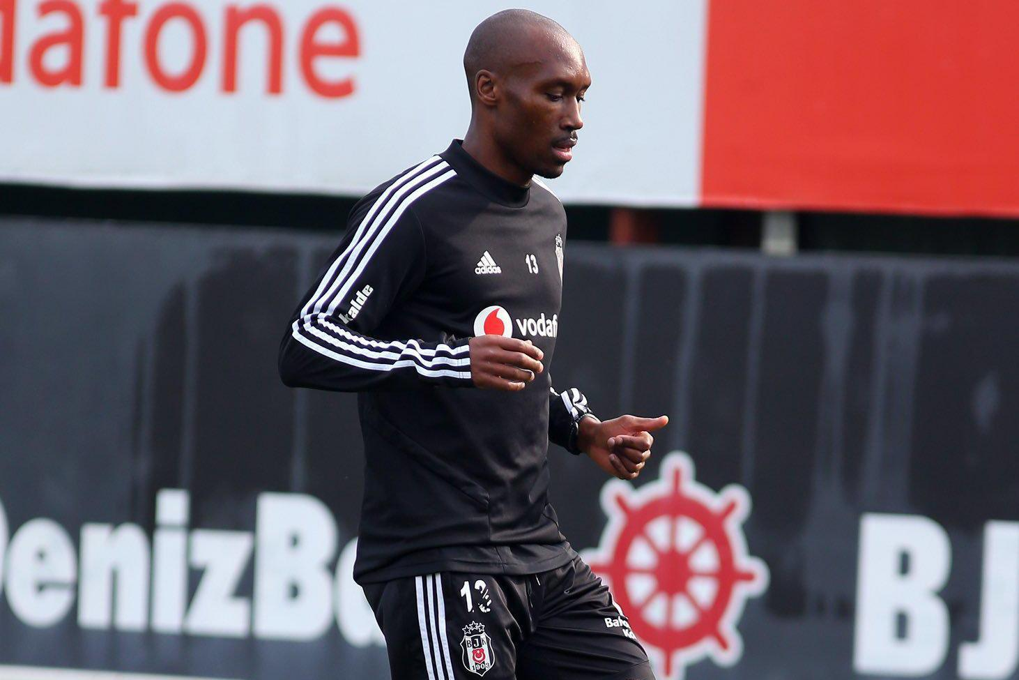 Atiba Hutchinson Süper Lig'de pas rekoru kırdı
