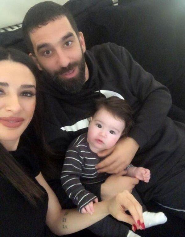 Arda Turan ve Aslıhan Doğan'ın bir oğlu daha olacak