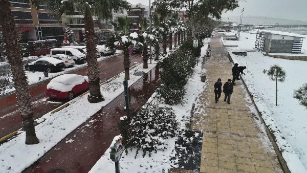 Karadeniz'de kar esareti; okullar tatil -3