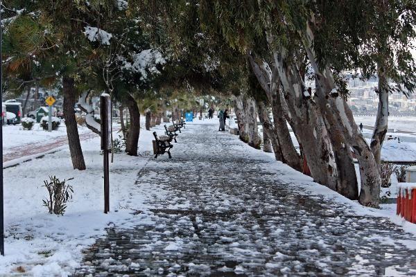 Karadeniz'de kar esareti; okullar tatil -6